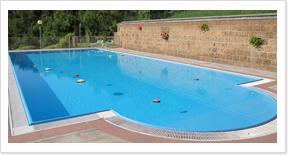 Hotel con piscina a tabiano terme hotel ducale for Sdraio bordo piscina